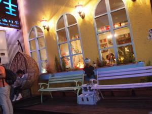 安徒生童話餐廳內的夜景