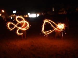 墾丁南灣沙灘燒煙花